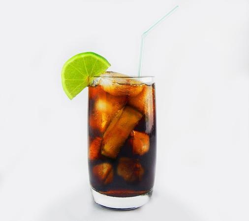 Recept na jednoduché Cuba Libre